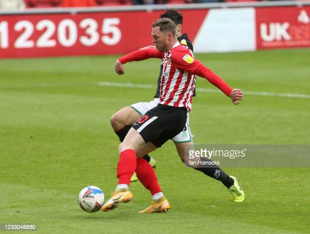 Aiden O'Brien of Sunderland has a shot during the Sky Bet League One Play-off Semi Final 2nd Leg match between Sunderland and Lincoln City at Stadium...
