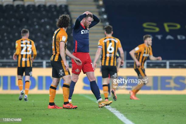 Aiden O'Brien of Sunderland reacts after his late effort is saved during the Sky Bet League One match between Hull City and Sunderland at the Kcom...