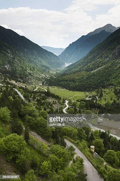 aiguestortes i estany de sant maurici np landscape - cataluña fotografías e imágenes de stock
