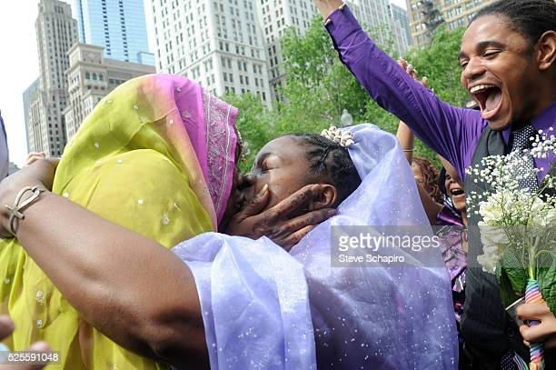 Ailean Watkins and Lakeesha Harris married in Civil Ceremony in Millenium Park Chicago