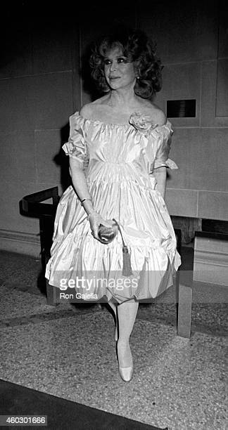 Aileen Mehle attends Metropolitan Museum of Art Costume Institute Gala The 18th Century Woman on December 7 1981 at the Metropolitan Museum of Art in...