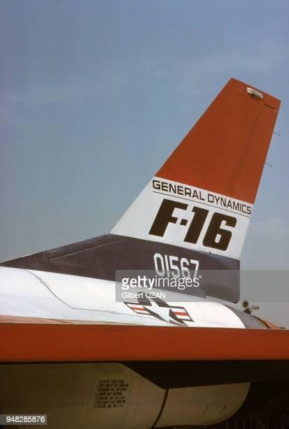 Aileron arrière d'un avion de chasse F16 de l'US Air Force en juin 1975