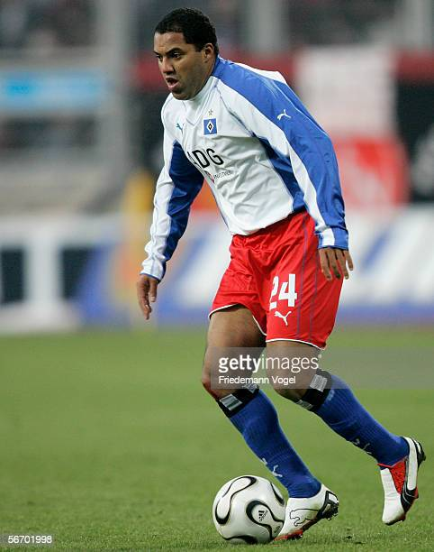 Ailton of Hamburg in action during the Bundesliga match between 1.FC Nuremberg and Hamburger SV at the Franken Stadium on January 28, 2006 in...