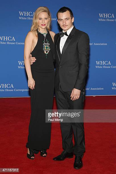 Aimee Mullins and Rupert Friend attend the 101st Annual White House Correspondents' Association Dinner at the Washington Hilton on April 25 2015 in...