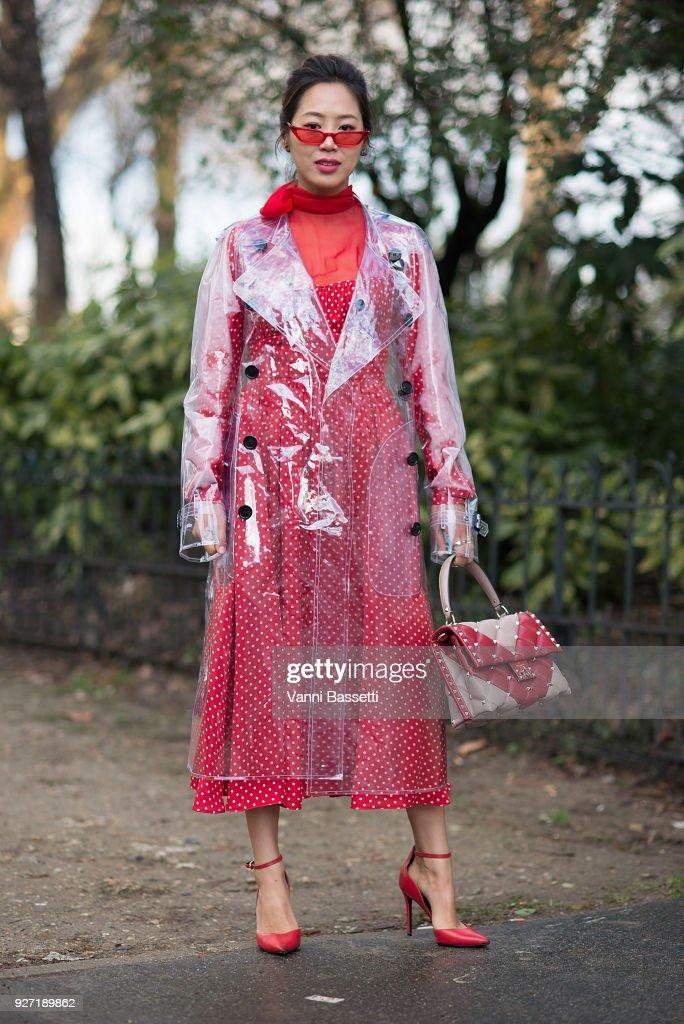 Street Style : Paris Fashion Week Womenswear Fall/Winter 2018/2019 : Day Seven