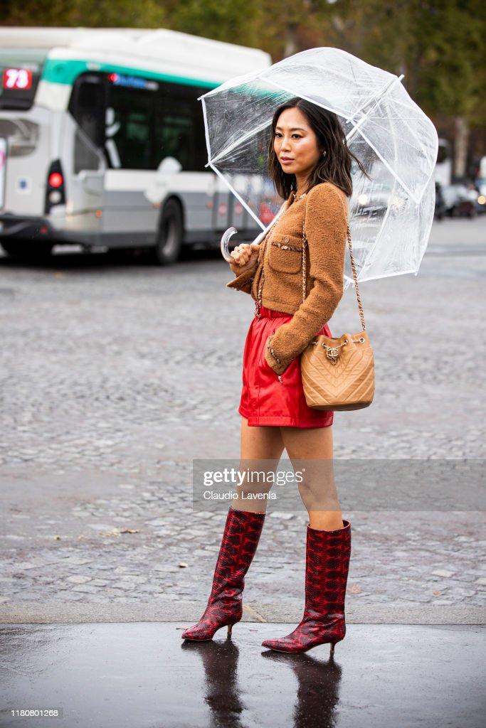 Street Style : Paris Fashion Week - Womenswear Spring Summer 2020 : Day Nine : Nieuwsfoto's