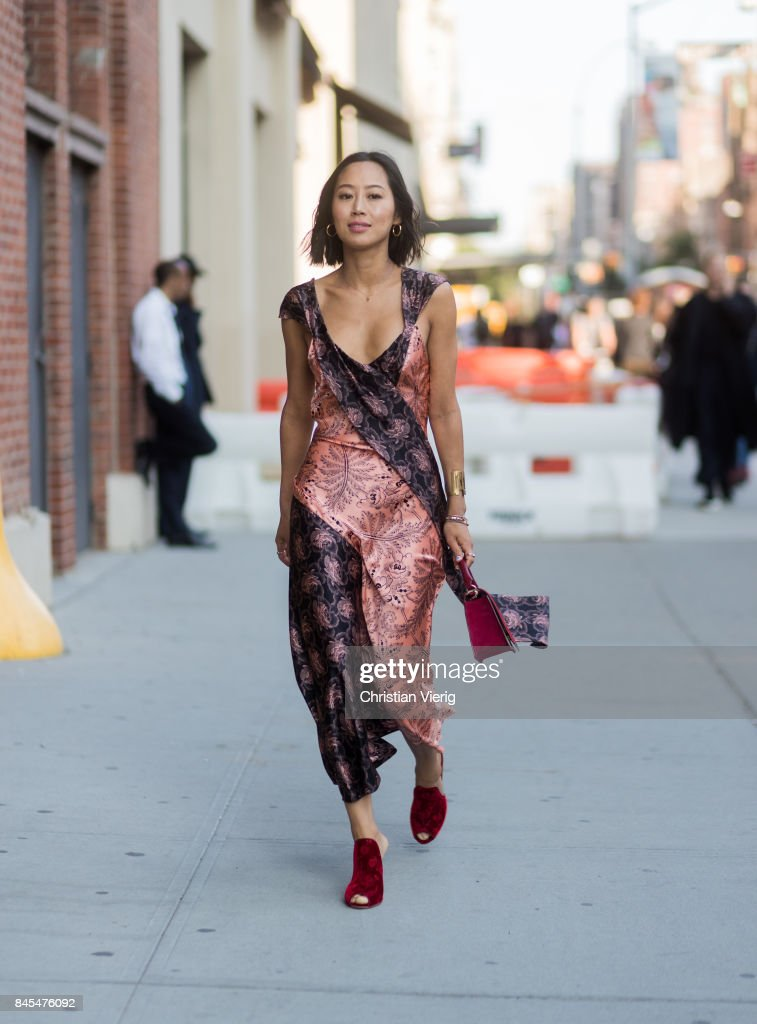 New York Fashion Week - Street Style - Day 4 : Nachrichtenfoto
