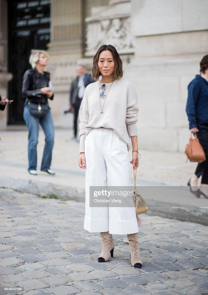 Street Style : Paris Fashion Week Womenswear Spring/Summer 2018 : Day Two : Nachrichtenfoto