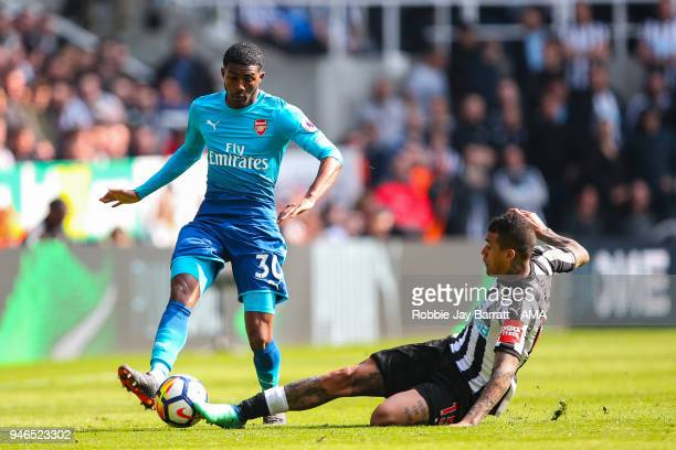 Ainsley MaitlandNiles of Arsenal and Kenedy of Newcastle United during the Premier League match between Newcastle United and Arsenal at St James Park...