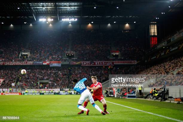Ainsley MaitlandNiles of Arsenal battles for the ball with Lukas Klunter of FC Koeln during the UEFA Europa League group H match between 1 FC Koeln...