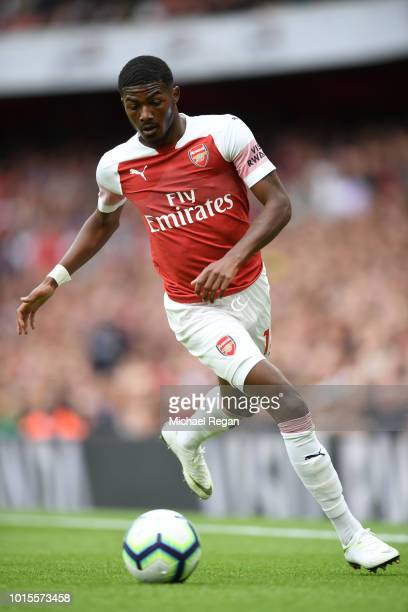 Ainsley MaitlandNiles of Arsenal runs with the ball during the Premier League match between Arsenal FC and Manchester City at Emirates Stadium on...