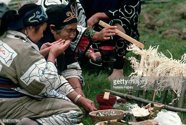 Ainu Make Offerings to the Inau