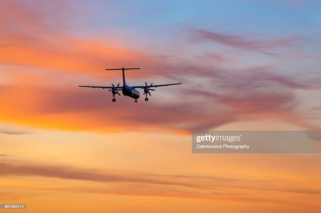 YL-BAE Air Baltic Bombardier Dash 8 Q400 : Stock-Foto