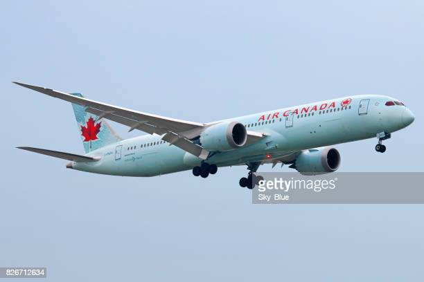 air canada aircraft - air canada stock pictures, royalty-free photos & images