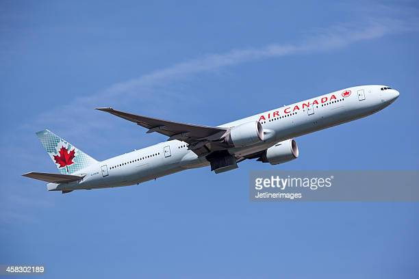 air canada boeing 777-300/er - air canada stock pictures, royalty-free photos & images