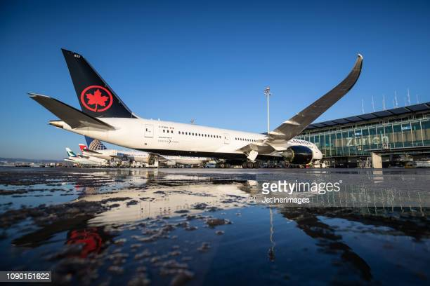 air canada boeing 787-9 dreamliner - air canada stock pictures, royalty-free photos & images