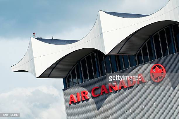 air canada hangar - air canada stock pictures, royalty-free photos & images