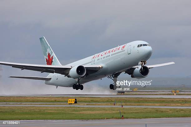 air canada - vancouver international airport stock pictures, royalty-free photos & images