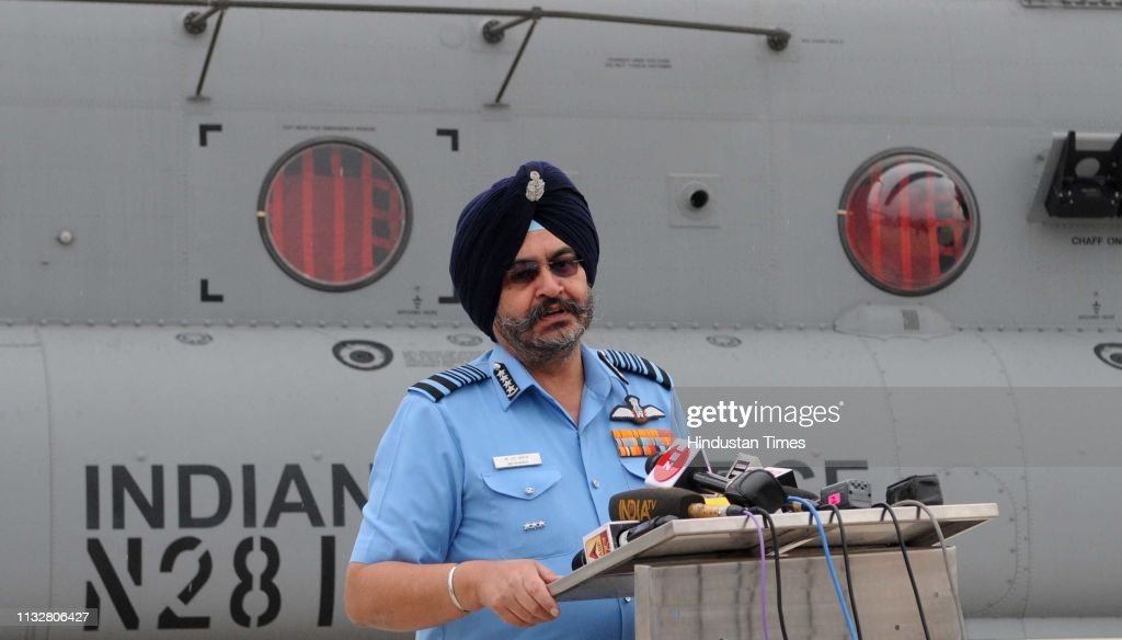 IND: IAF Inducts Chinook Heavy-Lift Choppers