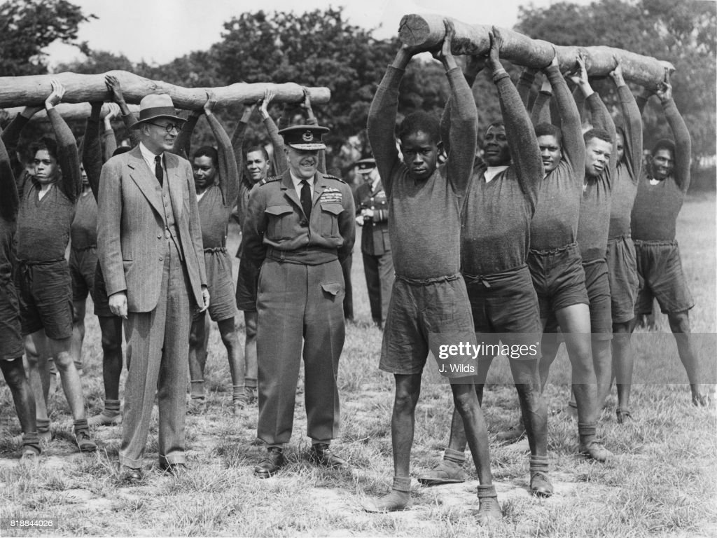 Sir Arthur Barratt : News Photo