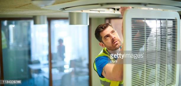 air con repair - concepts et thèmes photos et images de collection