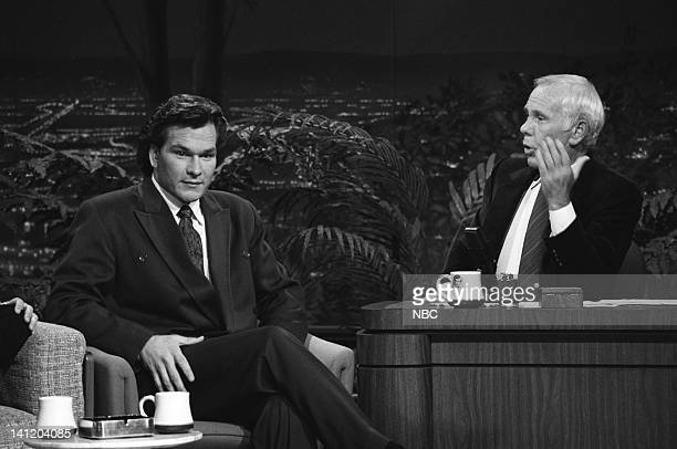 CARSON Air Date Pictured Actor Patrick Swayze host Johnny Carson Photo by Gary Null/NBCU Photo Bank