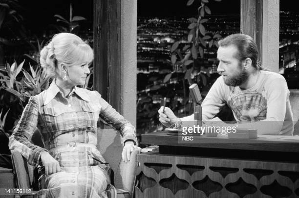 CARSON Air Date Pictured Singer/actress Debbie Reynolds during an interview with guest host comedian George Carlin on July 3 1972 Photo by NBCU Photo...