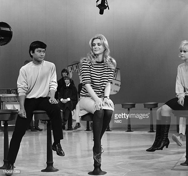 HULLABALOO Air Date 11/29/65 Episode 31 Pictured Singer and songwriter Jackie De Shannon performs with the dancers Folk rock group The Byrds are in...