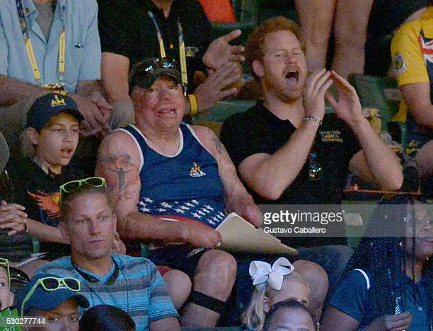 Air Force Technical Sgt Israel Del Toro and Prince Harry attends the sitting volleyball match between USA and Netherlands during Invictus Games on...