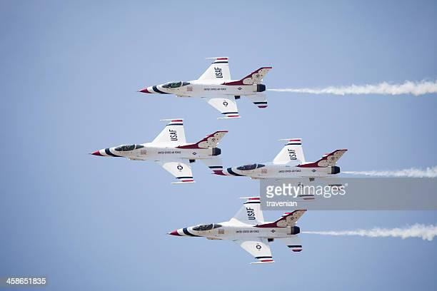 us air force thunderbirds jets from below - air force thunderbirds stock pictures, royalty-free photos & images