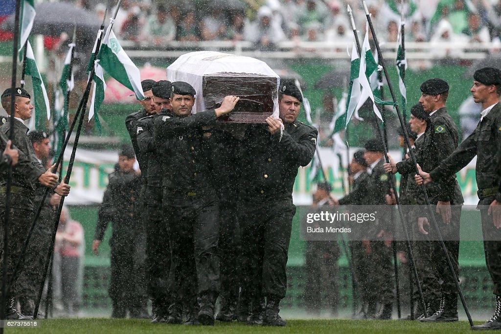Fans Pay Tribute To Brazilian Football Team Chapecoense Following Fatal Plane Crash : News Photo