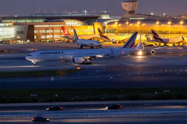 Air France - Boeing 777-328/ER