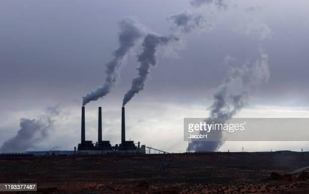 poluição do ar - incinerator - fotografias e filmes do acervo