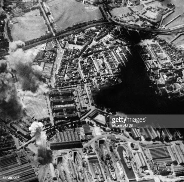 2WW Air War Battle of Britain German air attack on the harbour of PortsmouthAugust 1940
