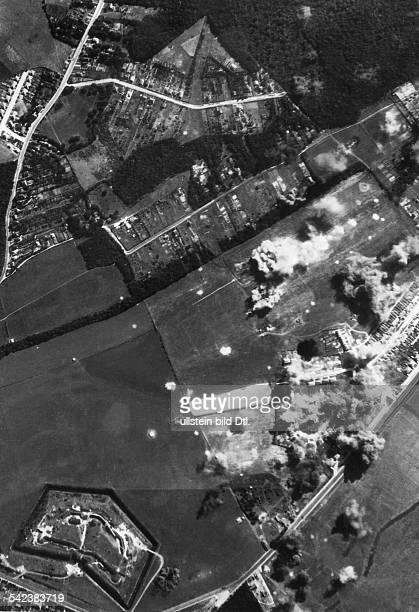 2WW Air War Battle of Britain German air raid on Rochester airfield near London September 1940