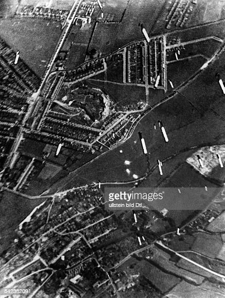 2WW Air War Battle of Britain German air raid on the motor factories in Rochester September 1940