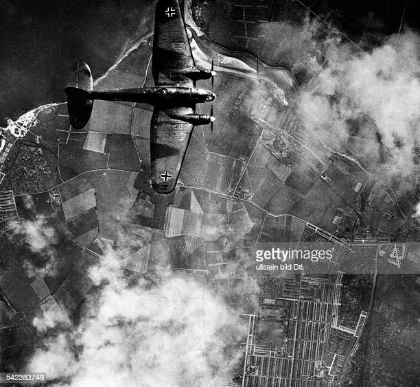 2WW Air War Battle of Britain German bomber He111 London approaaching London End of August 1940