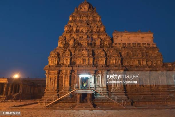 airavatesvara temple at night, spirits of ancient chola empire, india - argenberg fotografías e imágenes de stock