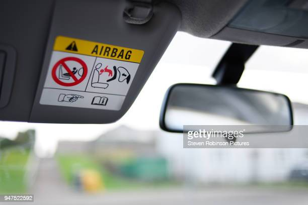 airbag safety - airbag foto e immagini stock
