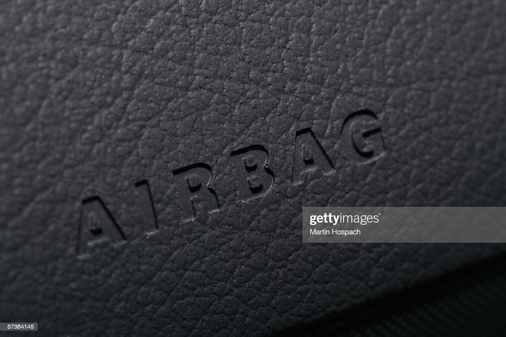 Airbag Sign On Dashboard Of Car Stock Photo Getty Images - Car sign on dashboard