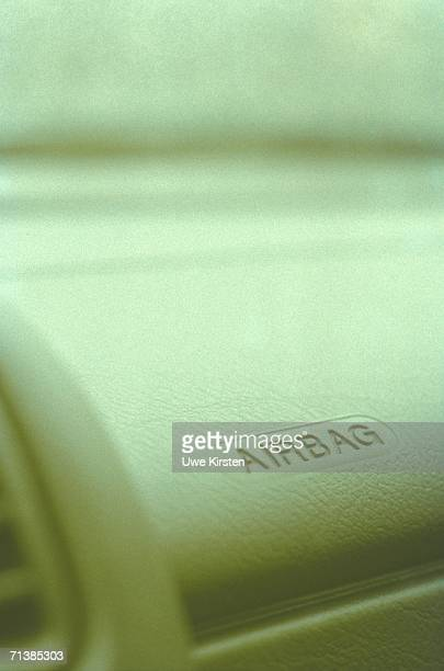 airbag sign on dashboard of car - airbag stock-fotos und bilder