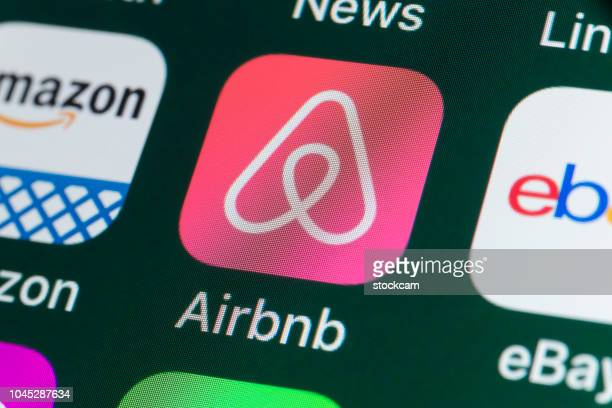 Airbnb, Amazon, ebay, News and other Apps on iPhone screen