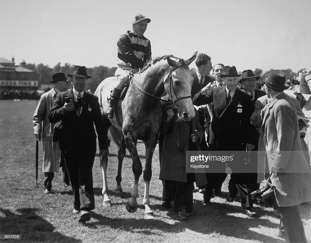 Derby Winner 1946 : News Photo