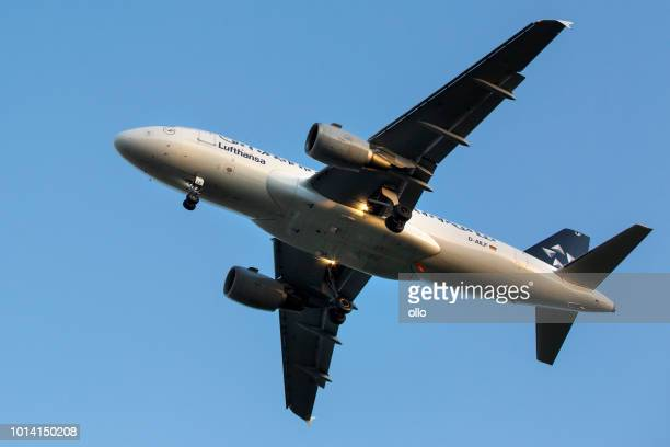 Airbus A319-114 der Star Alliance kommt in Gang