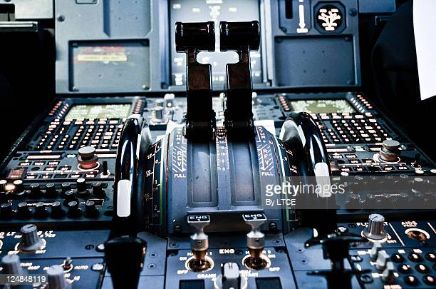 Airbus A320 Central pedestal (thrust levers)