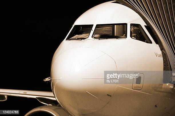 airbus a320 nose - airbus a320 stock pictures, royalty-free photos & images