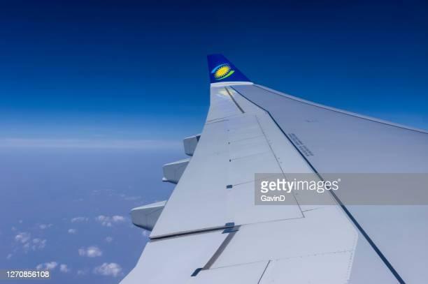 ルサカに向かう途中、アフリカ上空を飛行するルワンダのエアバスa330-200 - キガリ ストックフォトと画像