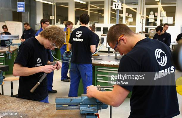 Airbus trainee workers learn at the Airbus factory on February 6 2009 in Hamburg Germany 600 young people got an apprenticeship training position in...