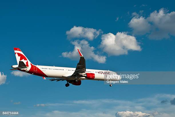 airbuss a321 - air canada stock pictures, royalty-free photos & images