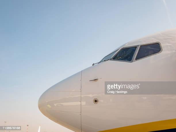 aircraft b737 plane cockpit - fuselage stock pictures, royalty-free photos & images